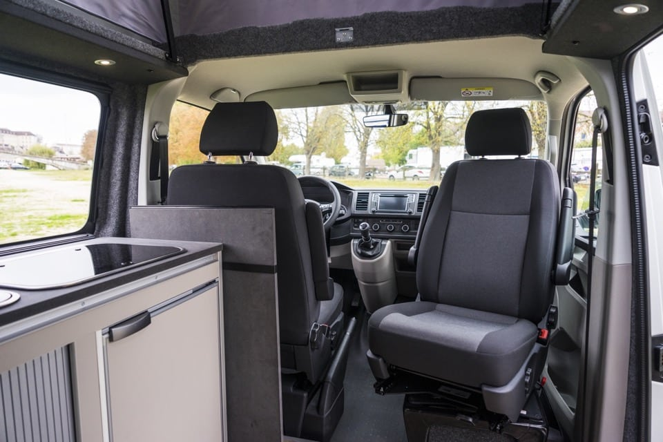 location van am nag volkswagen california 4 personnes partez en famille en totale libert. Black Bedroom Furniture Sets. Home Design Ideas