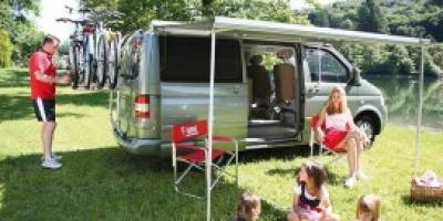 store-latral-options-pour-road-trip-en-van-freedom-camper