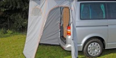 tente-de-hayon-options-pour-road-trip-en-van-freedom-camper