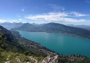 lac-dannecy-circuits-le-blog-freed-home-camper-annecy--la-petite-venise-des-alpes--bord-de-mon-campervan-freed-home-camper