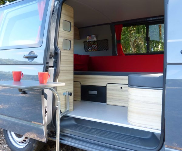 amenager-son-van-lamnagement-van-northeast-vive-les-rangements--freedom-camper